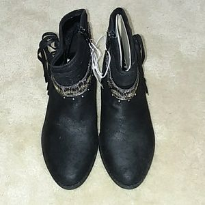 NWT Justice boots size 5